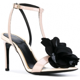 Lanvin High Heel Sandalen aus Powder Lackleder