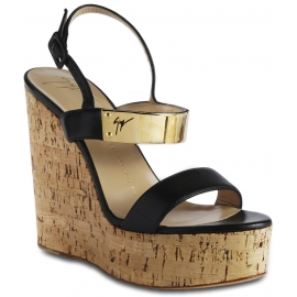 Giuseppe Zanotti Keil sandalen für Damen aus matt schwarzem Leder mit Schnallenverschluss