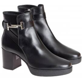 Tod's Block Heels Stiefeletten aus schwarzem Leder