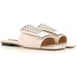 Die Sandalen von Sergio Rossi sind aus Nude-Leder
