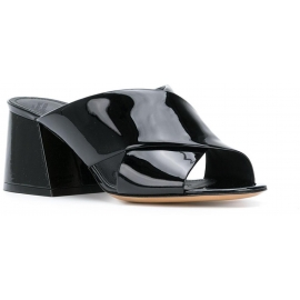 Maison Margiela Sandaletten aus schwarzem Lackleder
